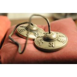Cimbali Tibetani Om Mani Padme Hum 6 cm