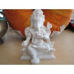 Statua di Ganesh bianco